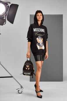 MOSCHINO LOVES PRINTEMPS 02