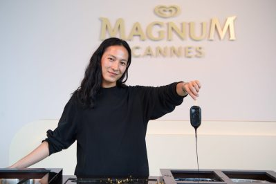 EDITORIAL USE ONLY Alexander Wang makes their very own personalised Magnums at the Magnum x Alexander Wang event in Cannes. PRESS ASSOCIATION Photo. Picture date: Thursday May 10, 2018. Photo credit should read: Matt Crossick/PA/Magnum