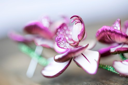 Making of orchid earrings from the Red Carpet Collection (4)