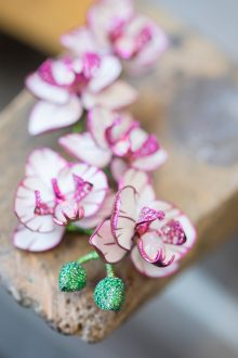 Making of orchid earrings from the Red Carpet Collection (7)