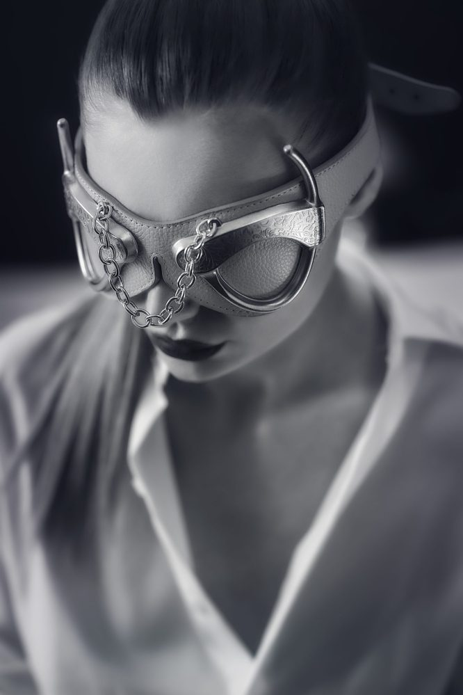 LELO_Anniversary Line_Kie Eye Mask_BW