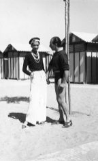 (L-R) Fashion designer Coco Chanel w. Duke Laurino of Rome on beach at the Lido. (Photo by Time Life Pictures/Pictures Inc./Time Life Pictures/Getty Images)