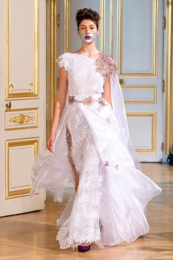 Photos défilé : fashion show Patuna Couture Carré d'As Collection automne hiver : fall winter 2018 2019 PFW - © Imaxtree 20