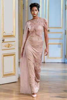 Photos défilé : fashion show Patuna Couture Carré d'As Collection automne hiver : fall winter 2018 2019 PFW - © Imaxtree 5
