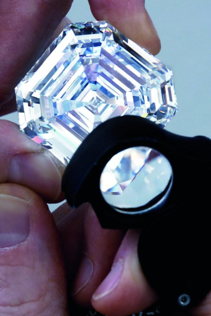 CMYK - 4.2 Graff Lesedi La Rona, Largest Square Emerald Cut Diamond, Photography by Donald Woodrow