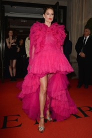 NEW YORK, NEW YORK - MAY 06: Doutzen Kroes departs The Mark Hotel for the 2019 'Camp: Notes on Fashion' Met Gala on May 06, 2019 in New York City. (Photo by Andrew Toth/Getty Images for The Mark Hotel)