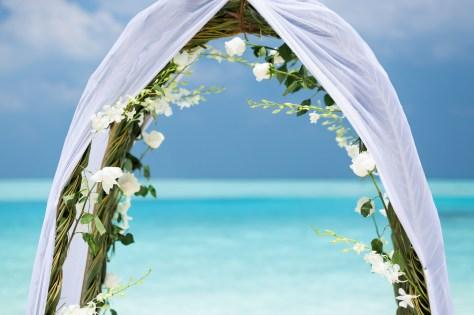 Anantara Kihavah - Beach Ceremony Arch
