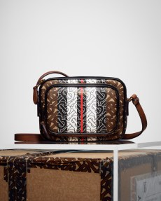 The Burberry Monogram Collection_003