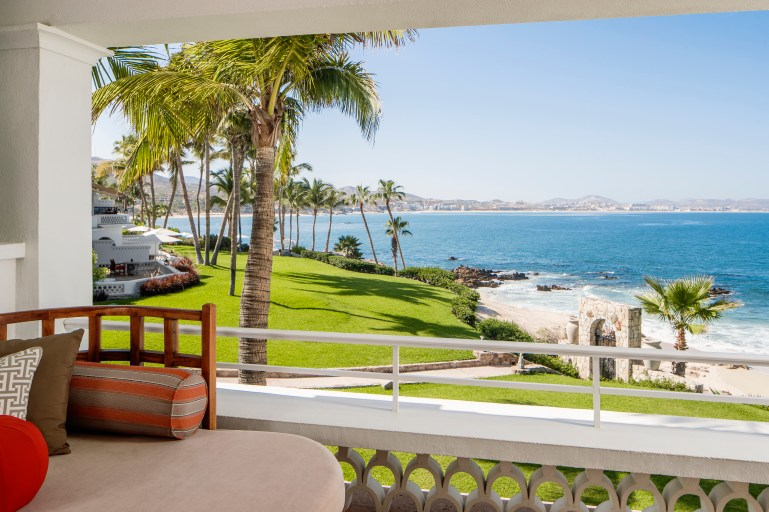 787770869OO_Palmilla_Accommodation_Suite1623_OceanFront1Bed_TerraceView_6322_MASTER