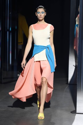 System SS20 look 7