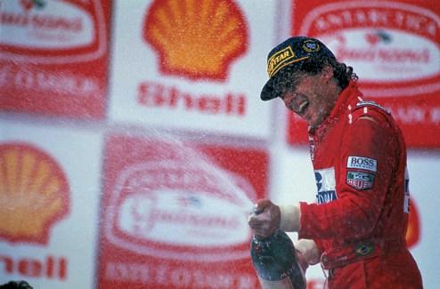 Ayrton_Senna_victory