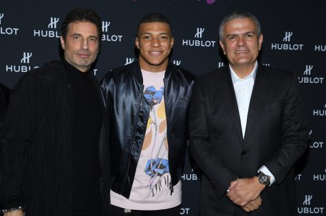 "PARIS, FRANCE - DECEMBER 16: Richard Orlinski, Kylian Mbappe and Ricardo Guadalupe attend the ""Hublot Loves Art"" Party At Fondation Louis Vuitton on December 16, 2019 in Paris, France. (Photo by Pascal Le Segretain/Getty Images)"