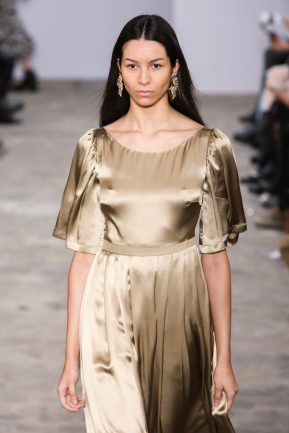 Runway look from the Alianna Liu Fashion Show Ready To Wear Collection Fall Winter 2020 in Paris