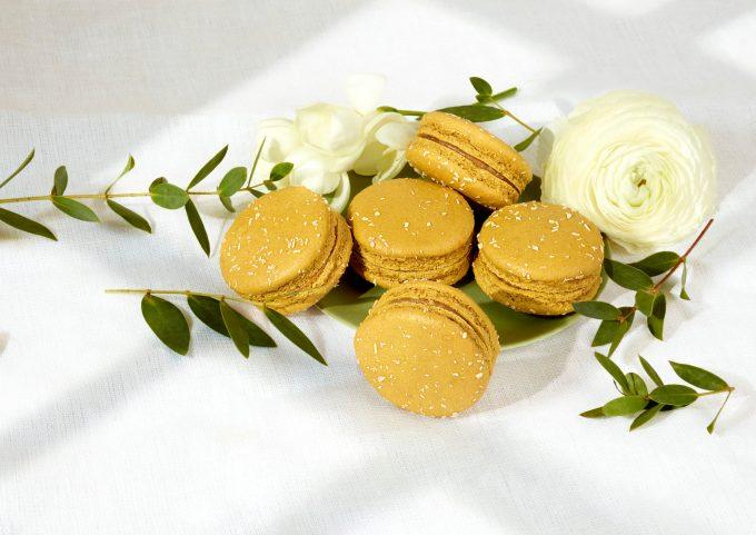 Macaron caramel vegan large