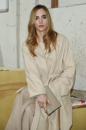 MILAN, ITALY - SEPTEMBER 25: Suki Waterhouse attends the BOSS Fashion Show during the Milan Fashion Week Spring/Summer 2021 on September 25, 2020 in Milan, Italy. (Photo by Stefania M. D'Alessandro/Getty Images for HugoBoss)