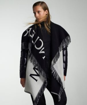 MONCLER ICONS_EDITORIAL IMAGES_PONCHO