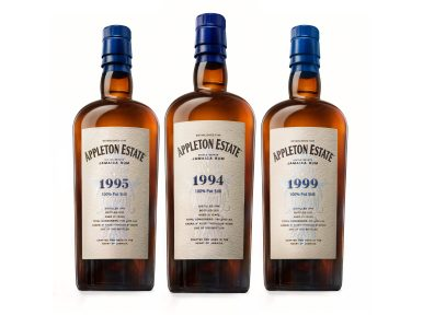 Appleton_Estate_Hearts_Collection_Groupage_Bottle_2_HR_04112020