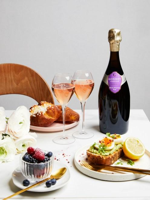 Gosset Petite Douceur Rose-brunch table©Delphine Constantini