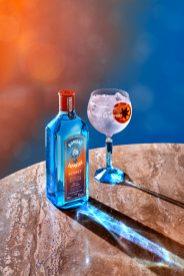 F21_Bombay_Sunset_Tonic_BlueWall_Lifestyle