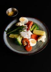 Aïoli de cabillaud et crevettes, légumes de saison