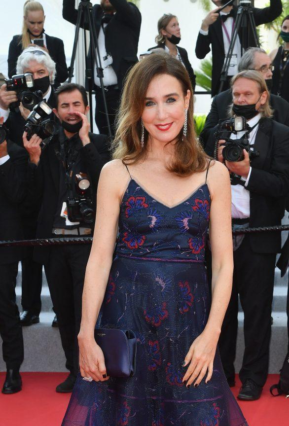 Elsa Zylberstein in Messika - Cannes Film Festival - 07072021 (1)