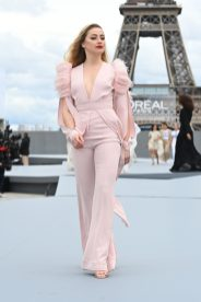 """PARIS, FRANCE - OCTOBER 03: Amber Heard walks the runway during """"Le Defile L'Oreal Paris 2021"""" as part of Paris Fashion Week on October 03, 2021 in Paris, France. (Photo by Pascal Le Segretain/Getty Images For L'Oreal)"""