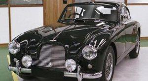 Luxurious Classics - Aston Martin DB2/4 2