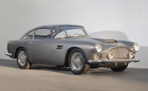 Luxurious Classics - Aston Martin DB4 2