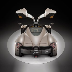 Luxurious features the Pagani Huayra Page 2 4