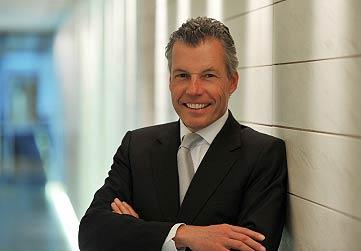 Torsten Müller-Ötvös, Chief Executive Officer or Rolls Royce