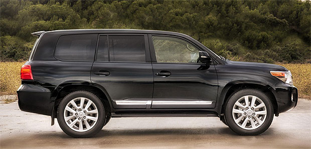 Toyota Introduce the 2012 Land Cruiser V8 with a 4.5-litre V8 Engine