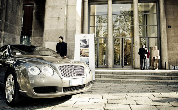 Bentley Motors and British fashion brand Aquascutum to collaborate on golf apparel and accessories.