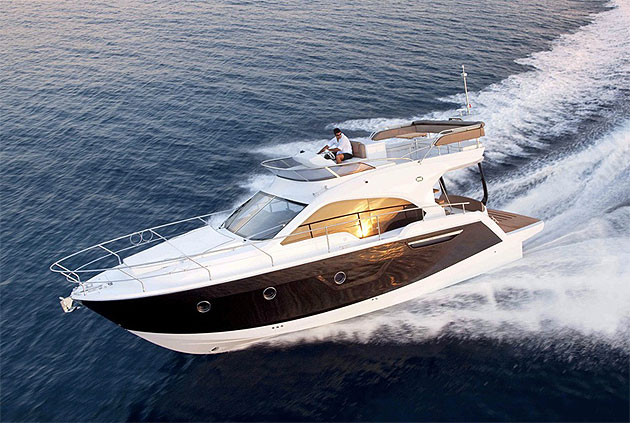 The Sessa FLY 50 - IPS 400 it has all the design solutions held dear by the shipyard and its designer Christian Grande