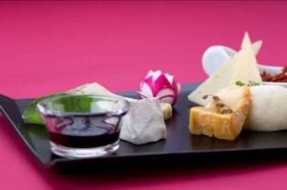 Come September, JAL will introduce a new array of Japan-made cheese with unique flavors such as those from the yeast of miso (fermented mixture of rice, barley and/or soybeans) and sake (Japanese rice wine). JAL invites customers to discover the excellence of Japanese cheese by sampling the assortment offered onboard, and matching it with various western wines, Japanese rice wines, and other suitable alcoholic beverages.