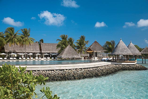 You might agree that we are creatures of comfort. If you're a seasoned traveller with a penchant for the highly acclaimed Four Seasons, then the stunning Kuda Huraa resort in the Maldives will never cease to disappoint.