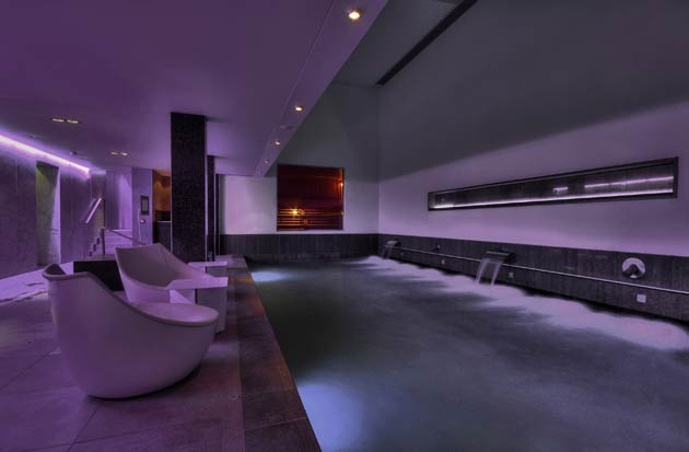 Whilst staying at the luxury hotel, why not make the most of the beautiful spa facilities and indulge in the 'Thermal Experience'? Taking you on a series of wet, dry, hot and cold alternating temperatures, Blythswood's 'Thermal Experience' will help your body to rid itself of toxins to leave you feeling thoroughly detoxed with a rejuvenated radiance.