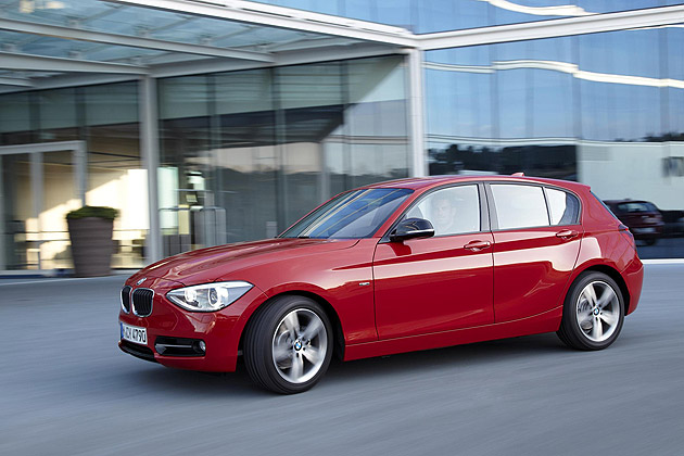 The BMW 1 Series will extend its diesel engine offering this autumn with the introduction of the new BMW 114d. The 1.6-litre version of the four-cylinder diesel engine with TwinPower Turbo technology, has a maximum output of 95hp with a peak torque of 235Nm and accelerates from zero to 62mph in just 12.2 seconds, going onto a top speed of 115mph. This sporting performance is paired to an impressive average fuel consumption of 65.7mpg and CO2 emissions of just 112g/km.
