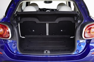 The Paceman is a strict four-seater, though practicality has not been sacrificed. Folding down the rear seats expands the rear load-carrying capacity from 330 litres to a maximum of 1,080 litres. Access is via a large and high-opening tailgate, offering extra practicality for owners.