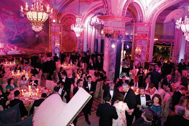 """For its gala evening, Franck Muller took over the illustrious Empire Room at the Hôtel de Paris in Monte Carlo, and as usual called on well-known stars to provide entertainment for this reception, attended by 500 hand-picked guests. Guests were enthralled by the skill of virtuoso pianist, Hayk Melikyan, as well as Dani Lary's amazing stunts with his 360° """"flying piano"""" and a laser show put on by the Lumina violonists from London."""