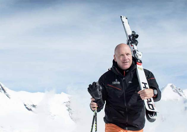 Charismatic brand ambassador Didier Cuche – the ski champion who has now retired from competition – presents a new ladies' watch bearing his effigy. It takes its place alongside the existing men's model in his mini-collection.