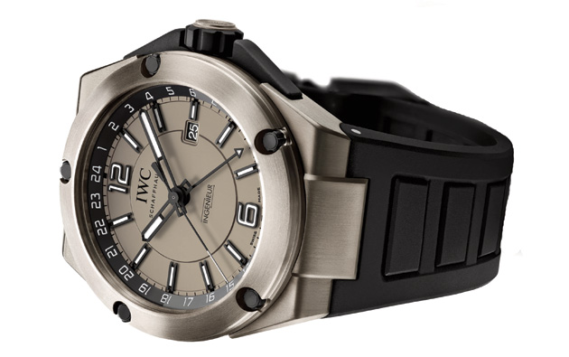 The Ingenieur Dual Time Titanium (Ref. 3264) neatly rounds off the sporty design line. It has a display that shows a second time of day, which is of enormous help to the MERCEDES AMG PETRONAS Formula One™ Team, who need to keep track of things when moving continuously from one time zone to another.