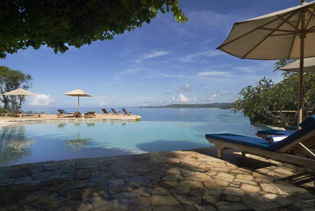 Offering those who crave privacy and adventure at the same time all they were wanted in an un-touched and exclusive locale, Nihiwatu boasts spectacular scenery, sophisticated luxury, a romantic ambience and world-class fishing, surfing and diving literally at your doorstep.