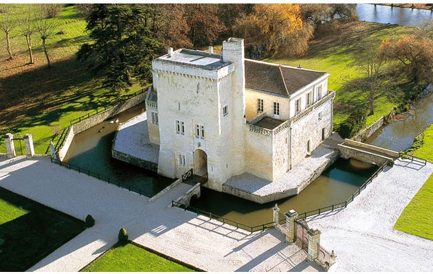 Château La Tour Carnet, which was originally built in the 1100s and is picture-perfect with its elegant drawbridge, off-white stone walls and surrounding moat - almost fairy-tale like in its overall outward appearance.