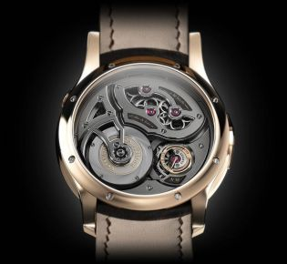 To power this amazing watch Romain Gauthier has devised an innovative chain-and-fusee style constant force system