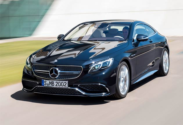 The new Mercedes-Benz S65 AMG with a V12 engines and 621 hp