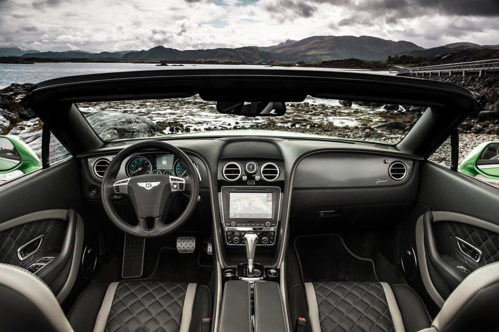 The perfect dash in the GT Speed Convertible