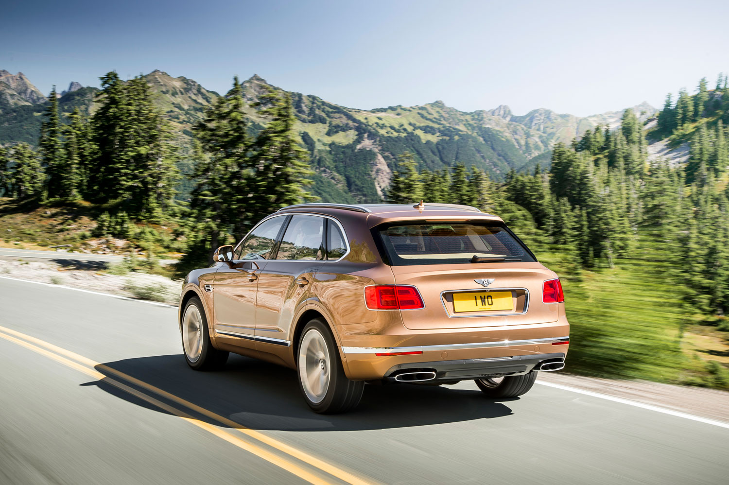 Off-road opulence for £160,000 in Bentley's first ever SUV, the Bentayga 2