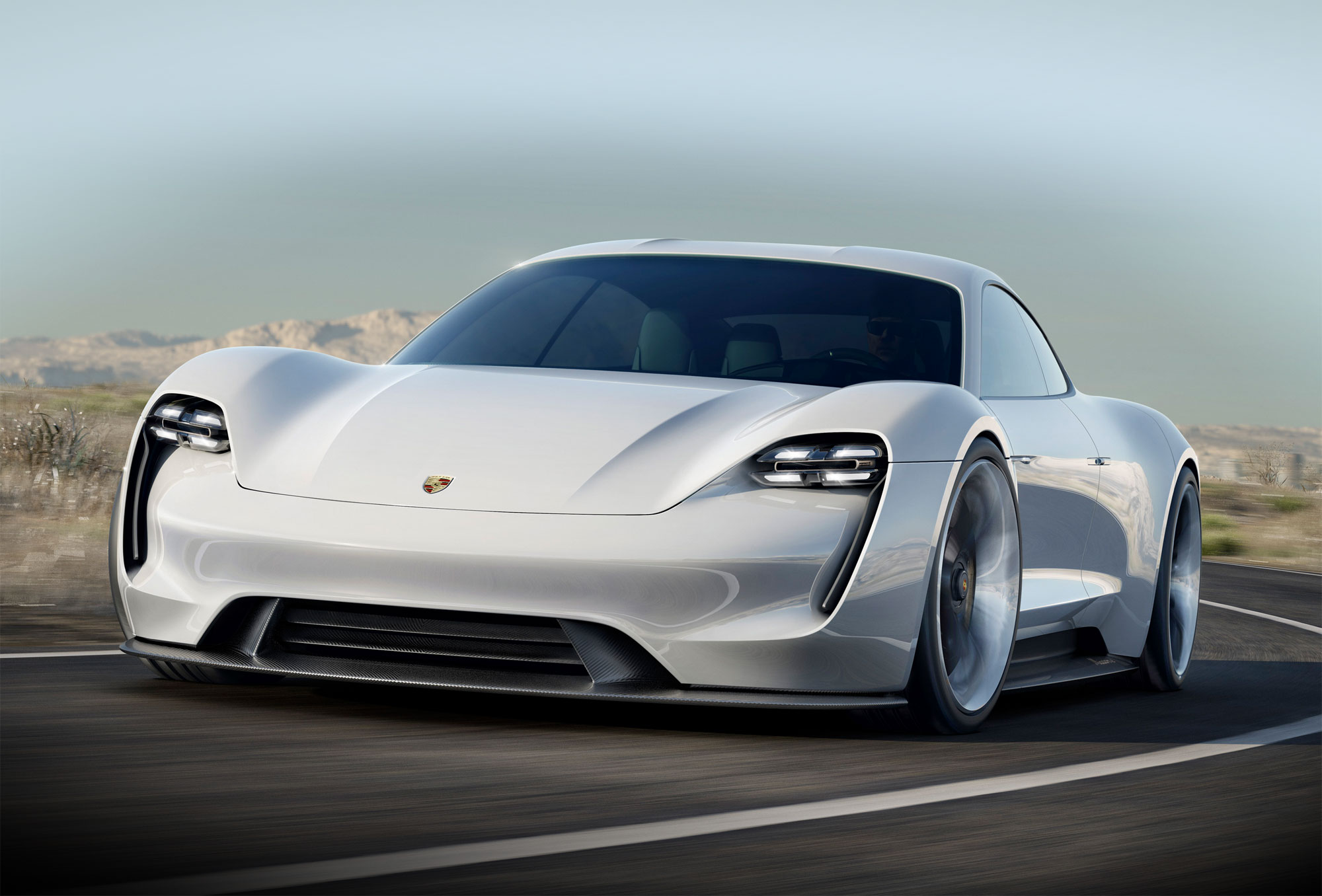 Porsche Mission E: 600 hp, 500 kilometer driving range, 15 minutes charging time!