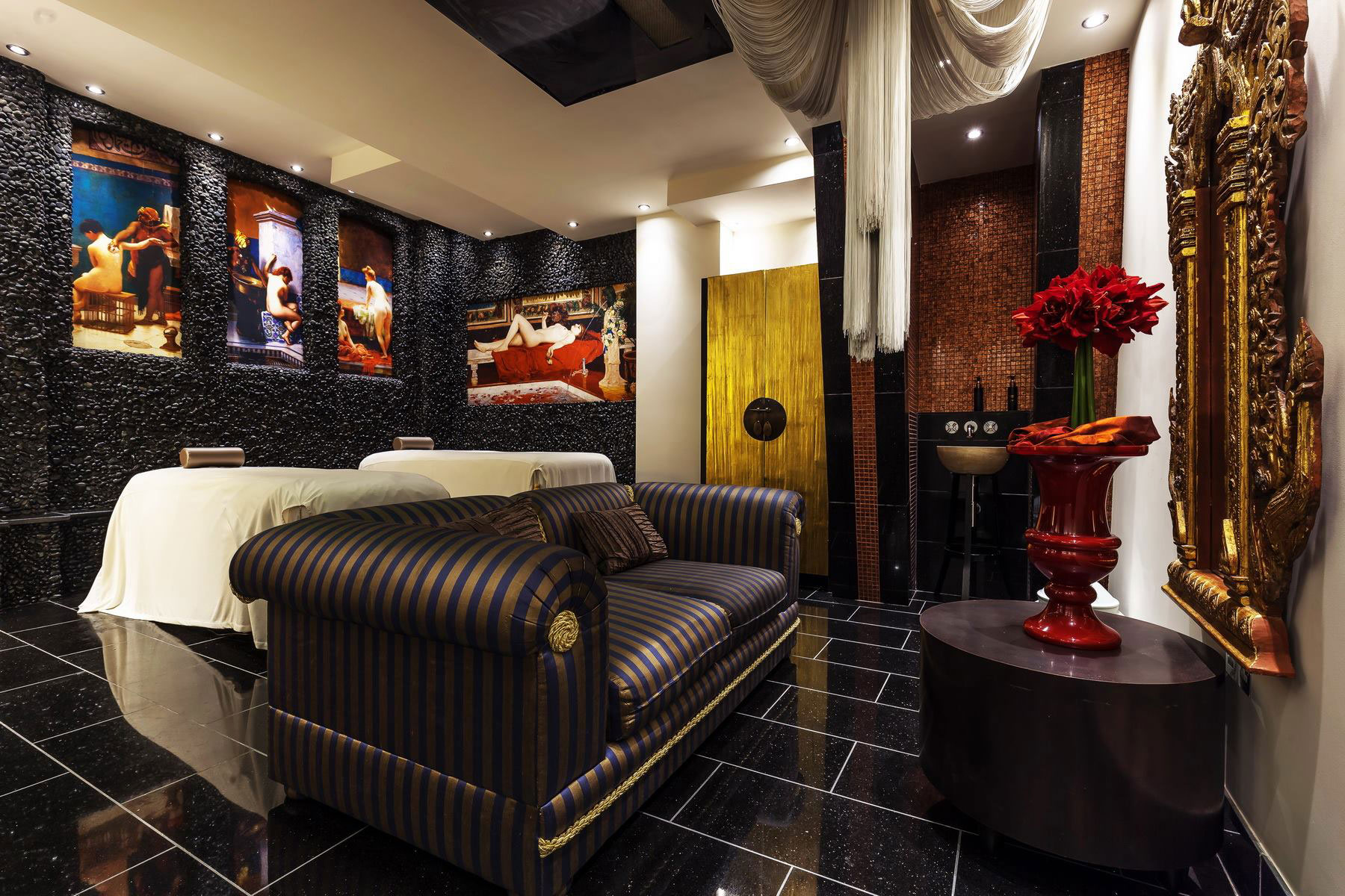 Thai Square Spa has established itself as a premium day spa since it opened its doors in the heart of Covent Garden during 2010