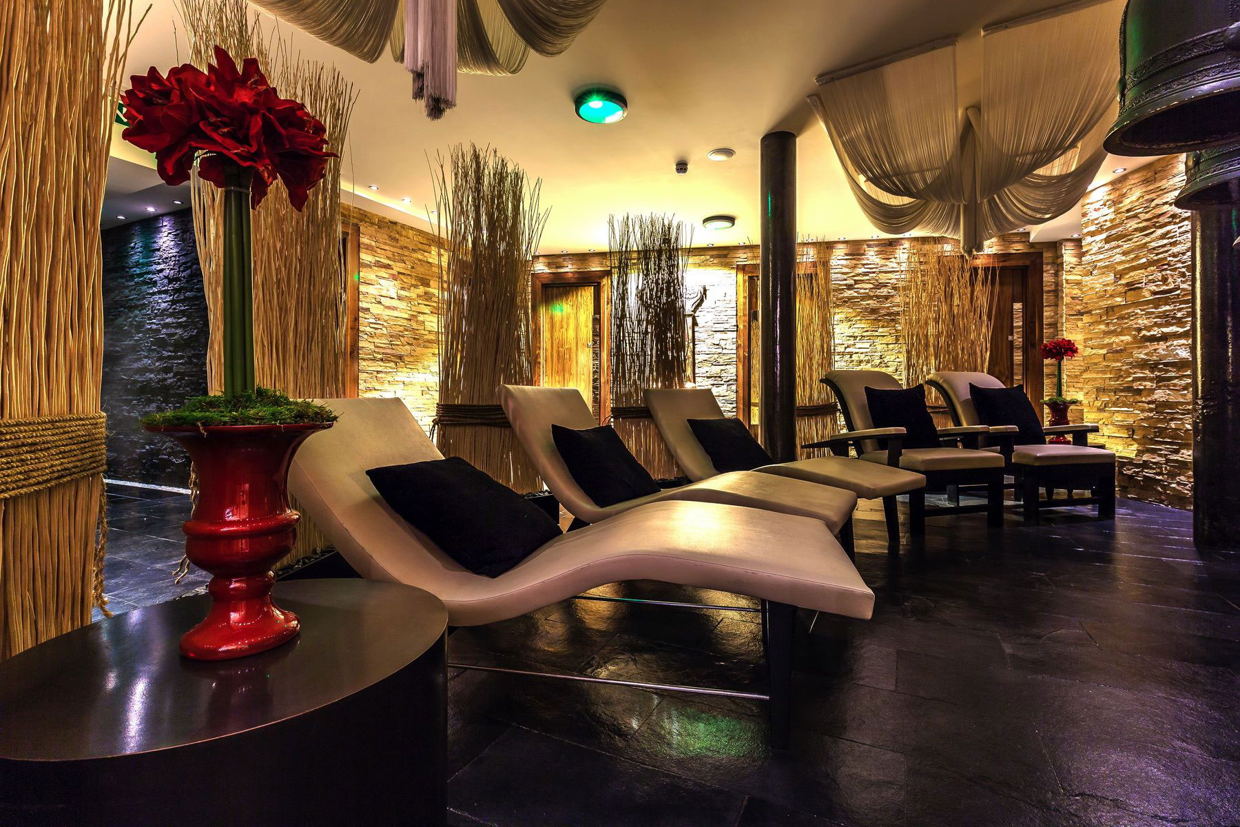 Londons Thai Square Spa Gears Up For Valentines Day